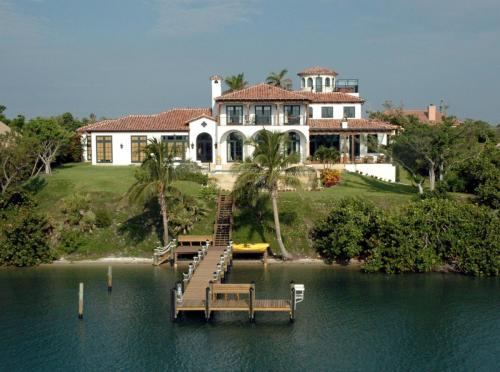 Jupiter Island Custom Roof